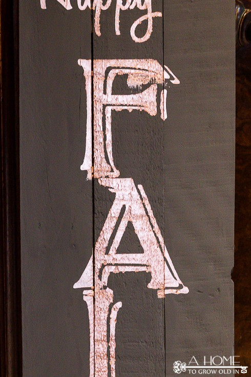 showing paint bleed on DIY wood pallet sign