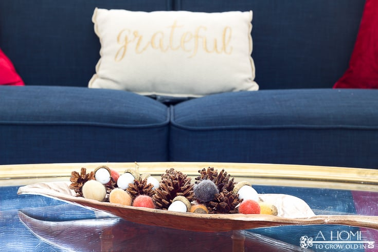 I love this pretty fall coffee table decor! I can't get over how much great fall home decor inspiration there is here! Definitely pinning for later!