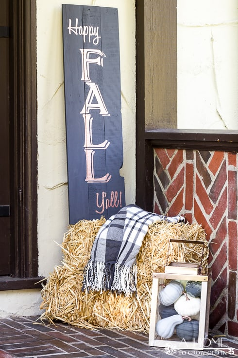 I always thought pallet signs would be a piece of cake to make, and they're really not that difficult, but there are a few things to think about before making your first sign. You'll want to pin this if you think you might ever make a pallet sign!