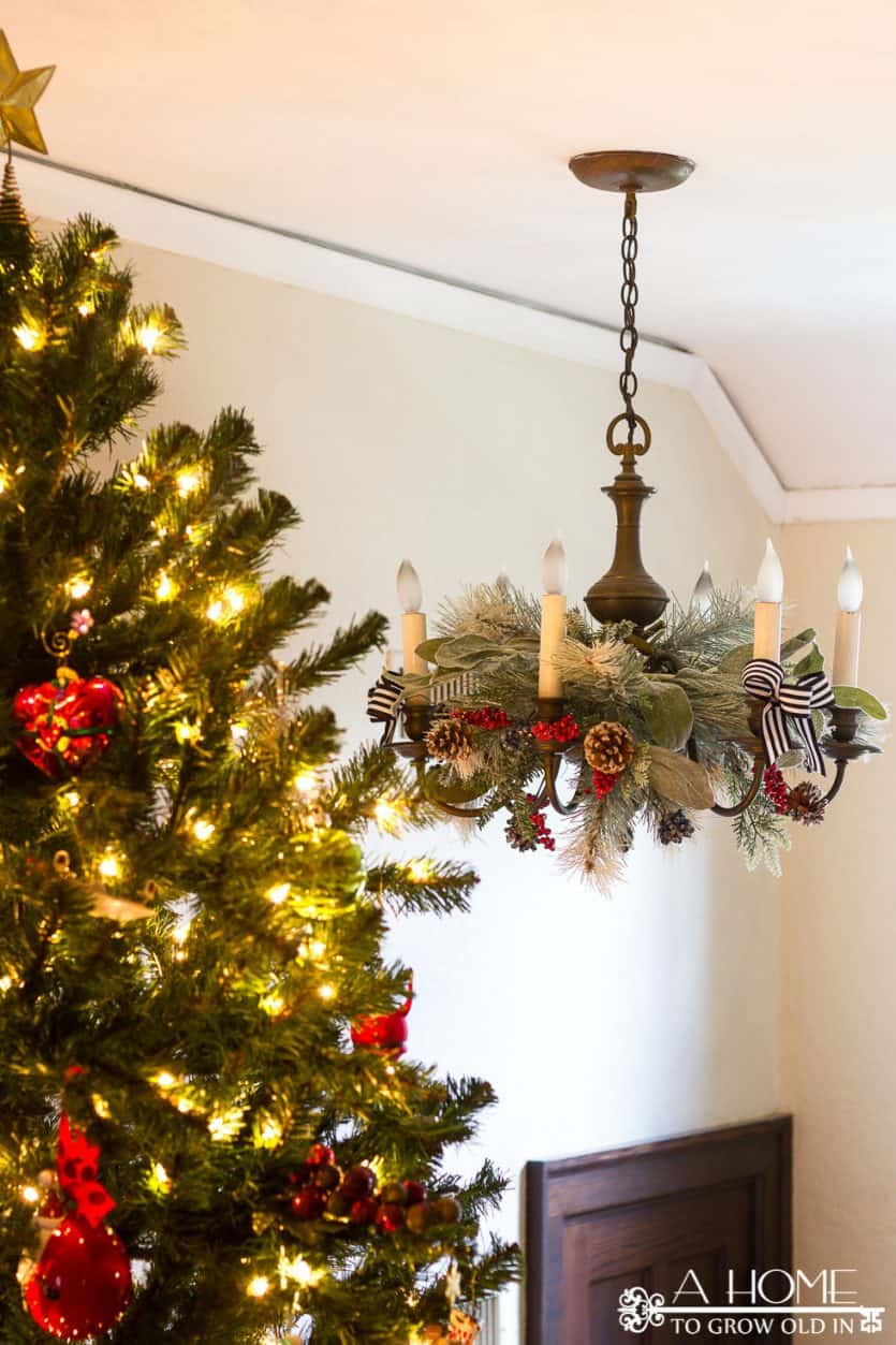 christmas chandelier decorations greenery - Christmas Chandelier Decorations