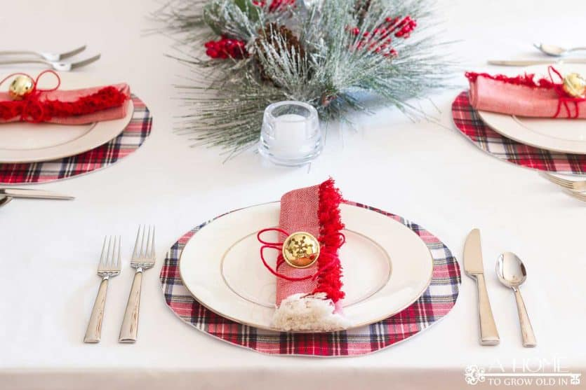 Make these beautiful no-sew placemats in just a few minutes! You won't believe how easy they are! Perfect for any holiday tablescape! Don't forget to pin this one for later!!