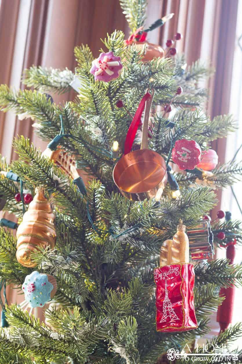 christmas-tree-kitchen-baking-culinary-sur-la-table