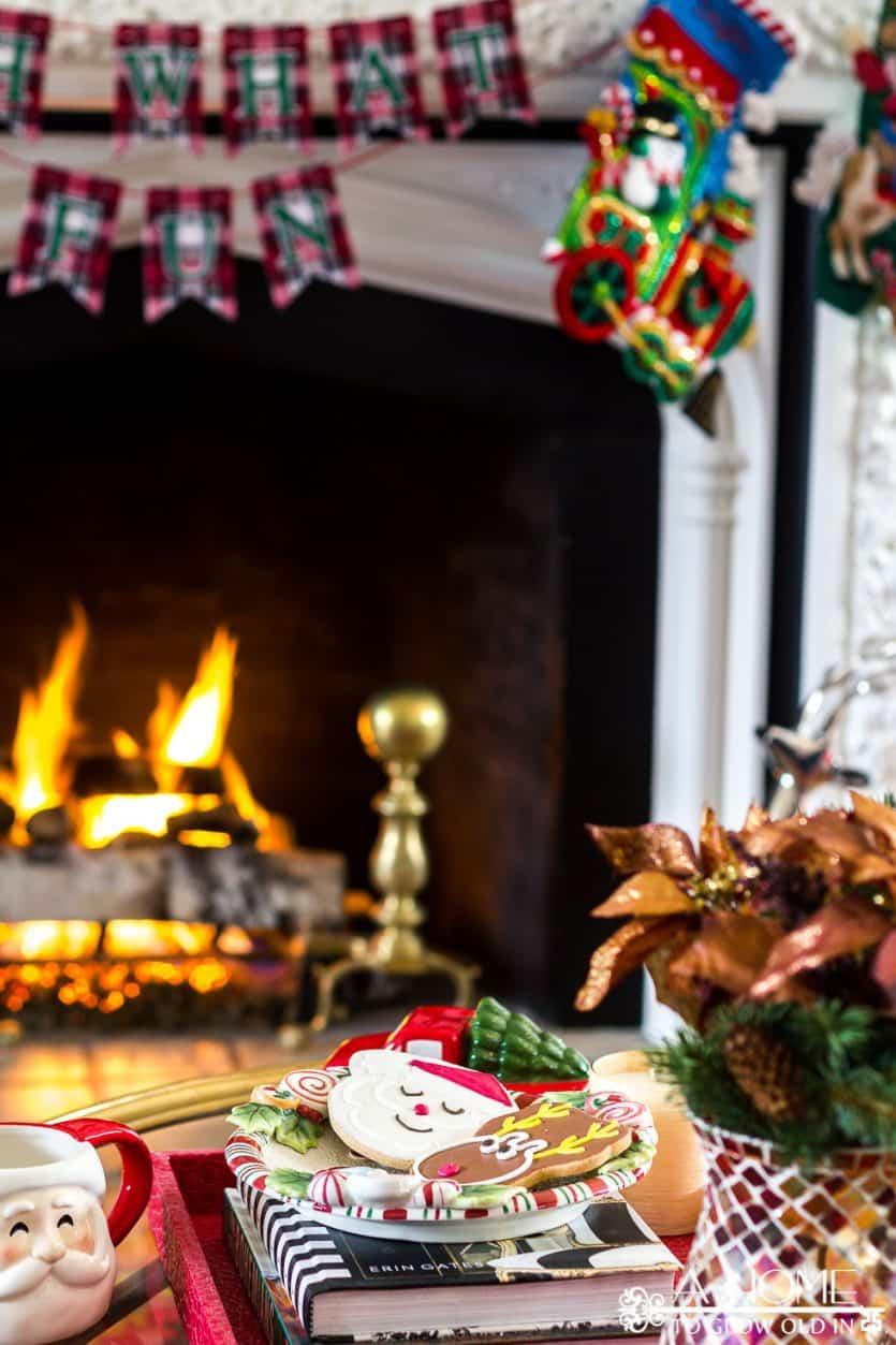 vintage-christmas-banner-fireplace-stockings