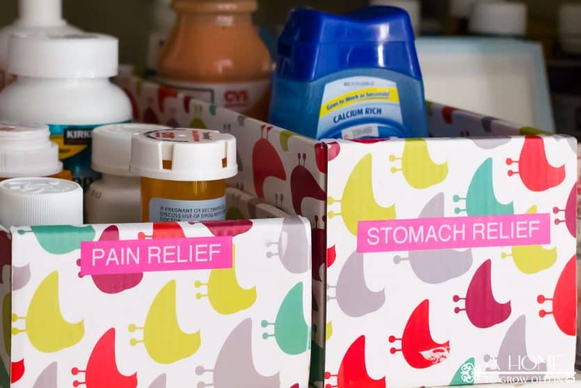 Check out these great tips for getting your medicine organized in your linen closet. It's so easy you'll wish you've done it sooner!
