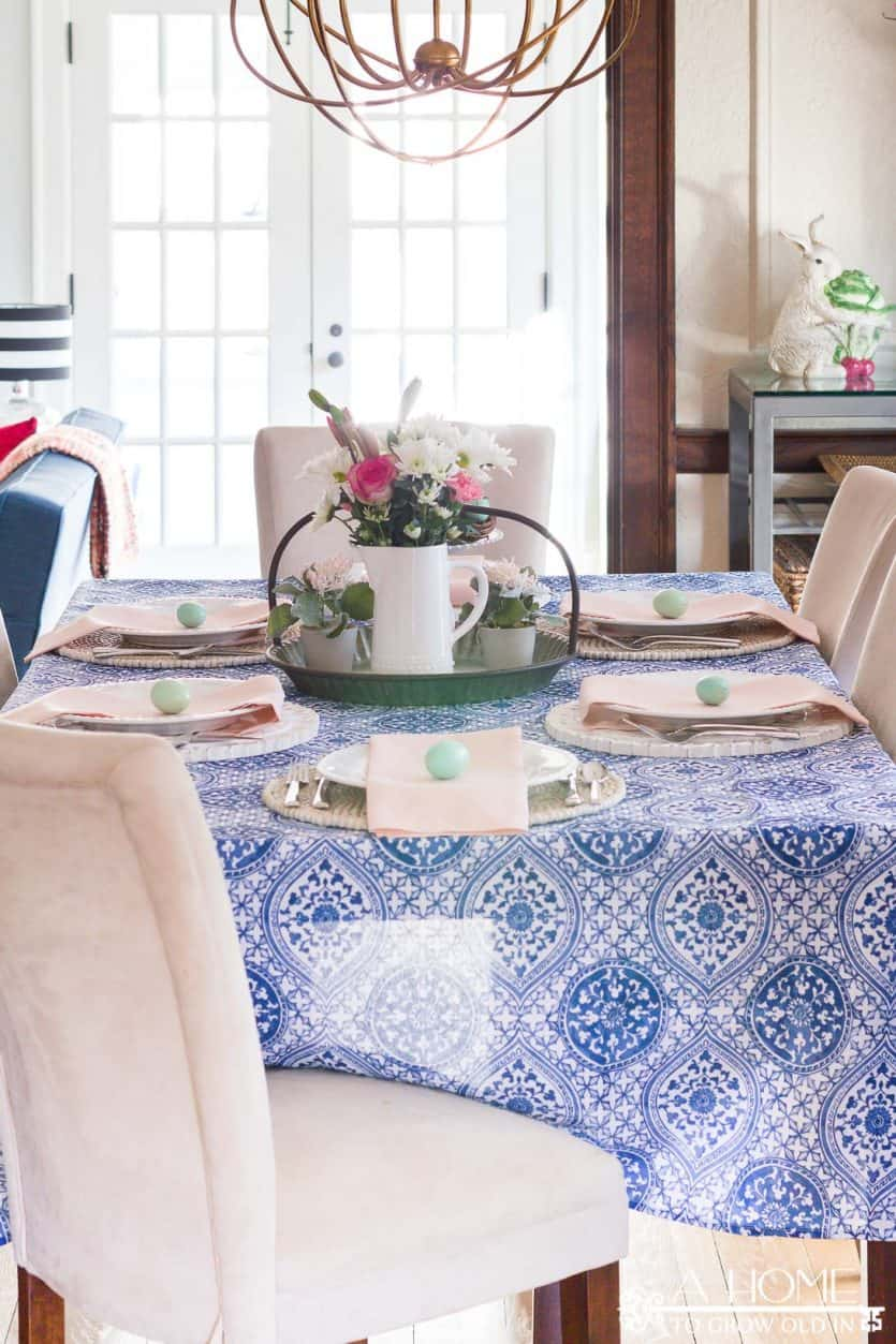 This Cobalt Blue And Blush Pink Spring Tablescape Will Give You Lots Of Inspiration To Get Your Dining Room Ready For Entertaining Or Easter