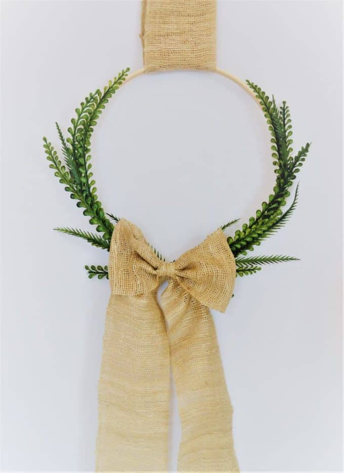 embroidery hoop wreath with boxwood and burlap bow