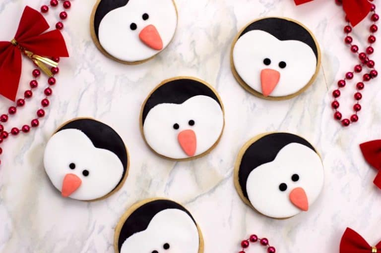 penguin frosted christmas cookies