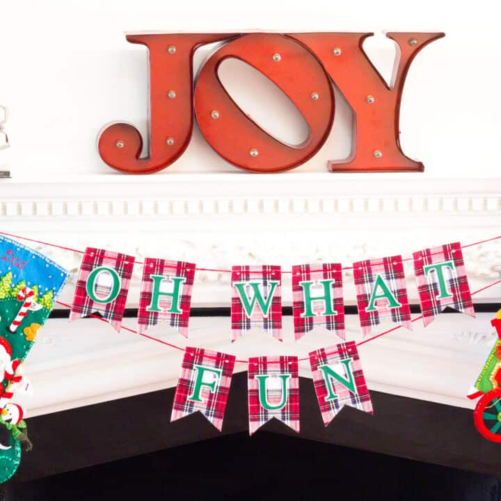 How To Create a Christmas Bunting